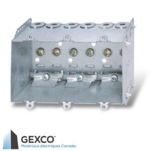 Boîte de dispositif triple 2104-LLE3 avec brides, pointes de fixation et guides en acier galvanisé.